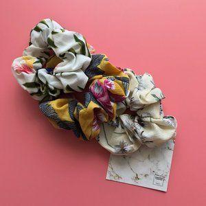 Floral Scrunchie -Light Summer